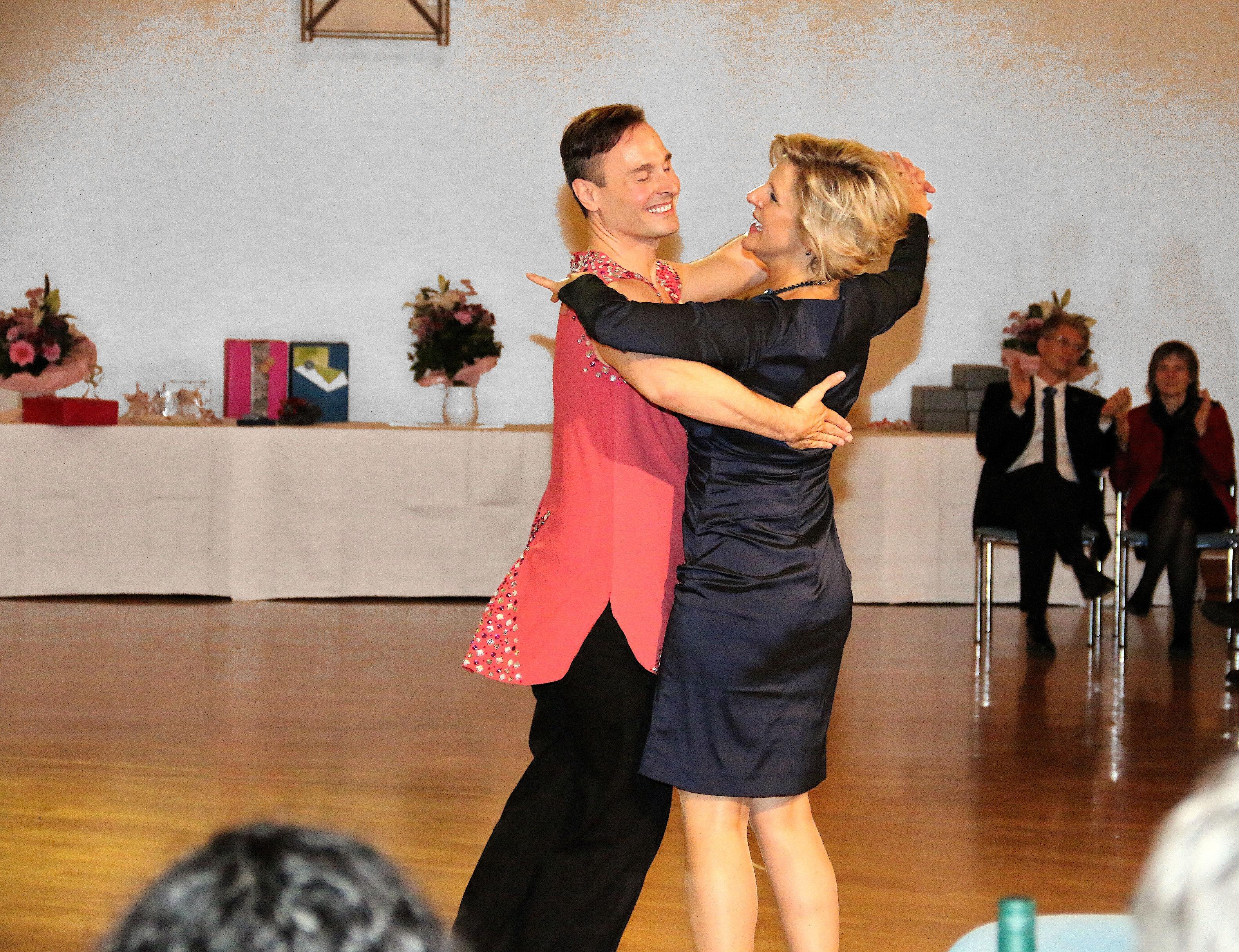 Dancing-6926